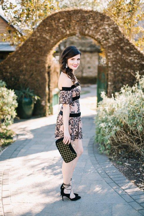 lovers-and-friends-ots-dress-elaine-turner-heels-kendra-scott-earrings