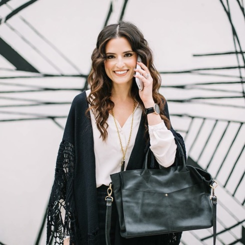 style-beacon-michelle-kuta-zuzek-fashion-blogger-raven-+-lily-ivory-sofia-silk-blouse-kerem-convertible-satchel-black-eveyl-cylinder-pendant-necklace-black-horn-mophie-juice-pack-iphone-charging-case-daniel-wellington-classic-black-sheffield-watch