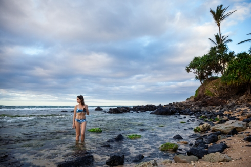 michelle-kuta-zuzek-style-beacon-hawaii-maui-beach-seafolly-caribbean-ink-tye-dye-bikini-swim-suit